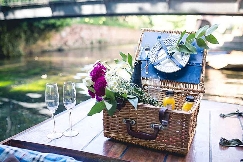 Picnic with drinks for the river tour